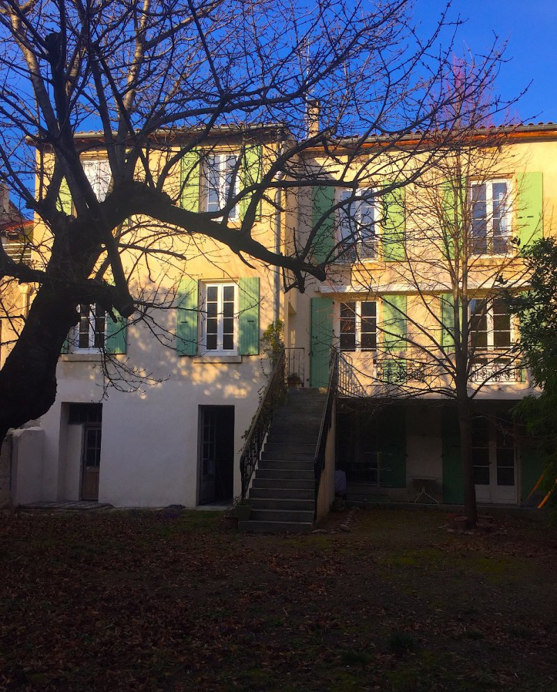 Vente immeuble d 39 exception avec garage et jardin au centre for Piscine jardin valence