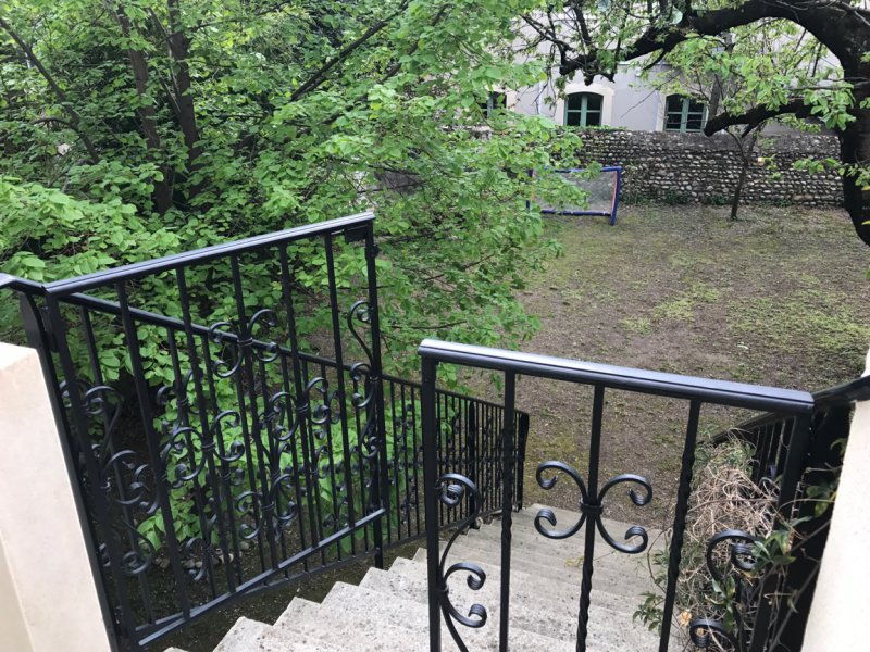 Vente immeuble d 39 exception avec garage et jardin au centre for Jardin 300m2