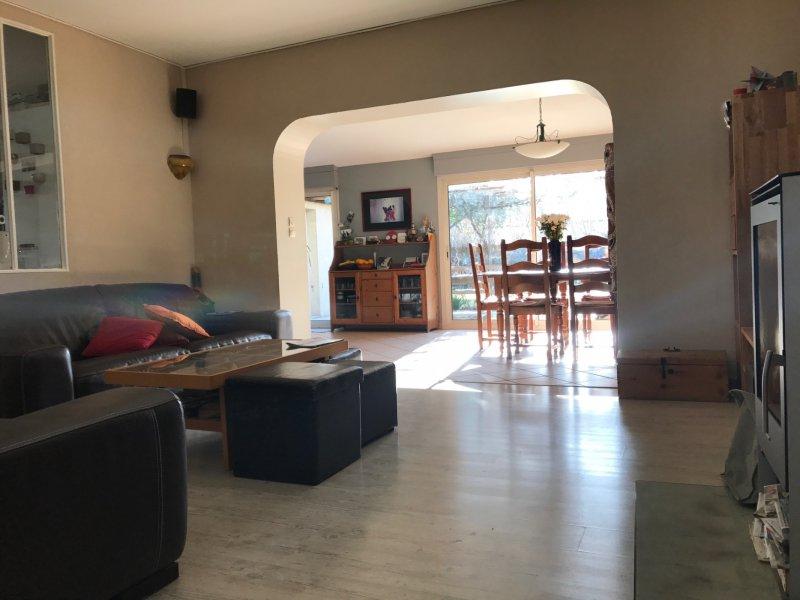 vente maison hors du commun de 5 chambres de 154m2 habitable sur 340m2 de terrain. Black Bedroom Furniture Sets. Home Design Ideas